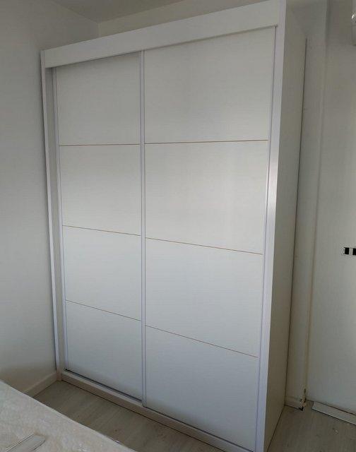 ארון הזזה דלתות לבנות